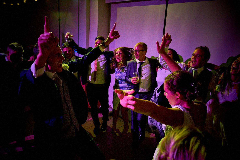 Best-Wedding-Party-Photos_07